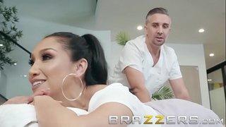 فيلم بورنو قوي و عشيقها يمارس التدليك عليها و ينيكها xxx فيديو عربي