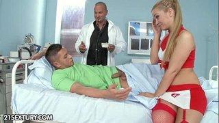 فيلم سكس الممرضة والمريض في سكس ثلاثي مع الطبيب الأسمر xxx فيديو عربي
