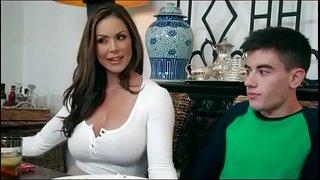 سكس امهات محرومة تتناك من ابنها فى المطبخ نيك نار Hd xxx فيديو عربي