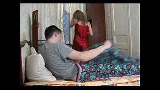 سكس اغتصاب محارم روسي اخ يغتصب اختة على السرير xxx فيديو عربي